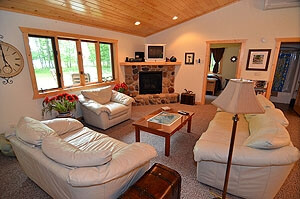 Family Room1 - Namakagon Landing Accessible Lakehome