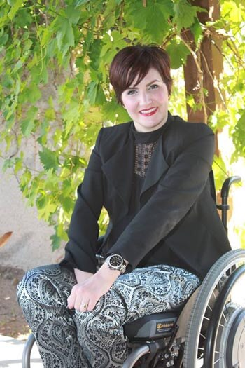 Gina 1 003 - Profiles in Online Dating: Woman with Disabilities Share Their Road Back to Love, Lust and Empowerment