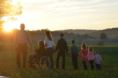 AliciaFamily sunset - Mother of 6 Overcomes the Sudden Onset of Paralysis