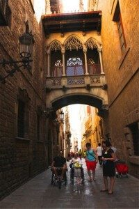 Tourists walk 200x300 - Catalonia Holiday, Barcelona & Penedes 7 days tour