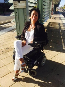 11203070 10204914891245367 7962636626122876118 n 225x300 - fashionable woman in wheelchair smiling in the sun