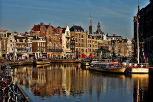 1.Amsterdam 1 300x200 - Accessible Bike-and-Wheel Tour of Holland