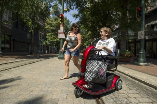 Advocate in Memphis makes downtown mor accessible 600x399 - Affordable, Fun and Wheelchair Accessible Cities for Singles!