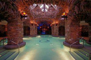honeymoon pool 300x200 - honeymoon pool