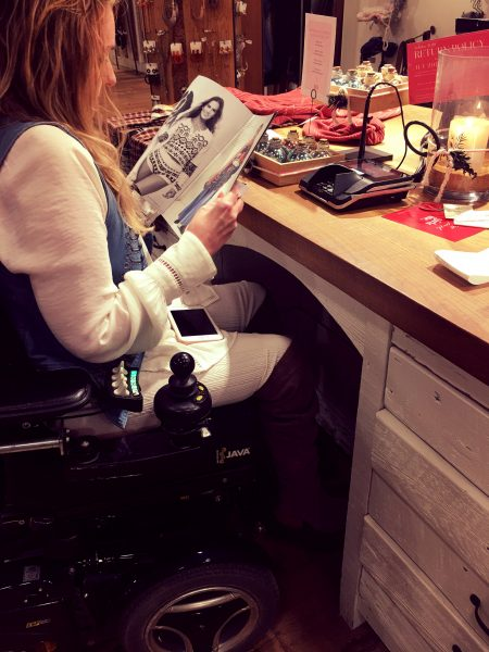 Shopping with spinal cord injury 450x600 - Shopping while Disabled - From Retail Therapy to Retail Disaster