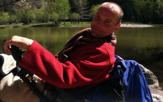 Travelling Yosemite With a Wheelchair 326x205 - Wheelchair Accessible Lifestyle Magazine