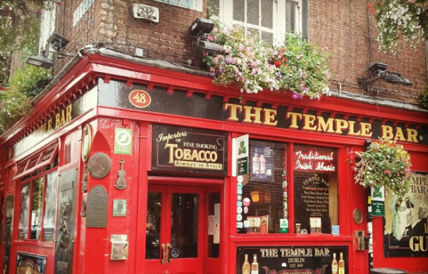 The Temple Bar 600x385 - Wheelchair Accessible Ireland Tour - Join Us In One of the Most Loved Countries