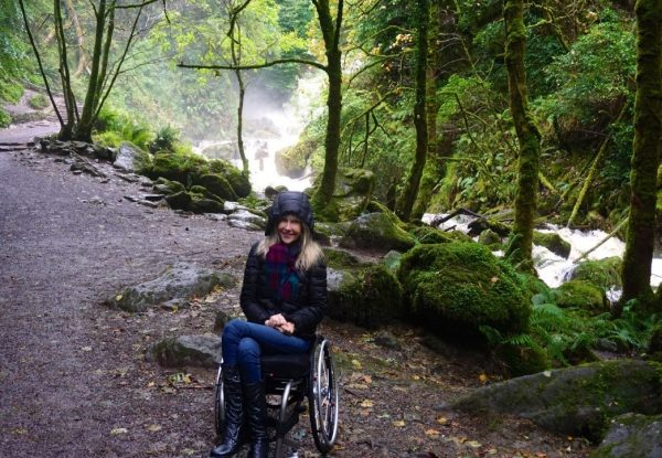 women in wheelchair travelling 600x415 - Wheelchair Accessible Ireland Tour - Join Us In One of the Most Loved Countries