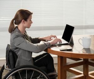 PL 2LEPPE4 original 300x254 - Young business woman in a wheelchair